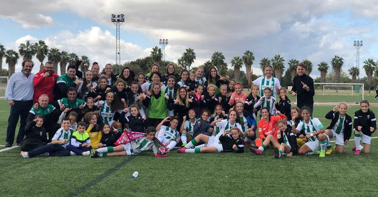Las jugadoras del Córdoba celebrando la victoria. Foto: Córdoba CF