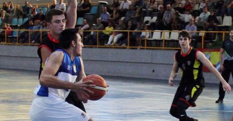 El Peñarroya trabajó mucho en defensa para lograr el triunfo. Foto: Xerez CD Baloncesto
