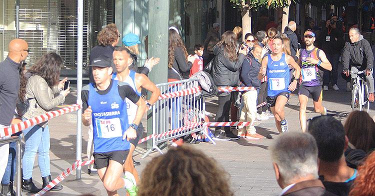 El triatleta Camilo Puertas acabó sexto en la Media Maratón de Córdoba 2019