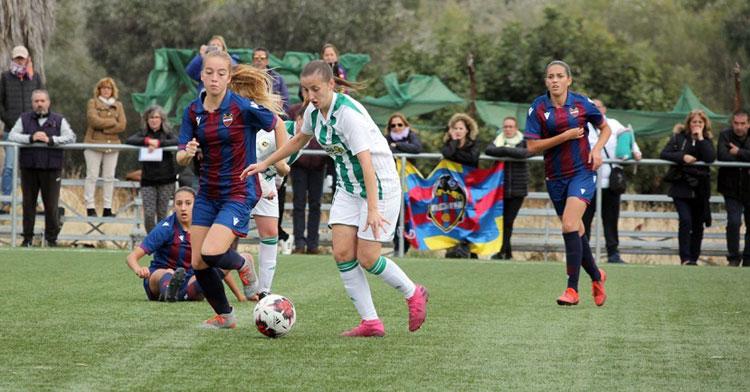 María Lara en el partido contra el Levante UD B. Foto: Antonio Quintero / Córdoba CF