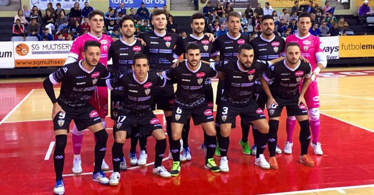 Manu Leal, abajo a la derecha, en la forma de formación del equipo en Zaragoza