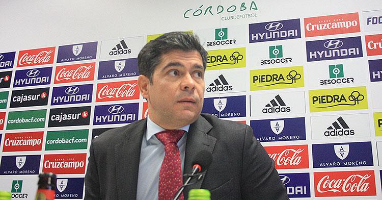 Francisco Estepa en la sala de prensa de El Arcángel