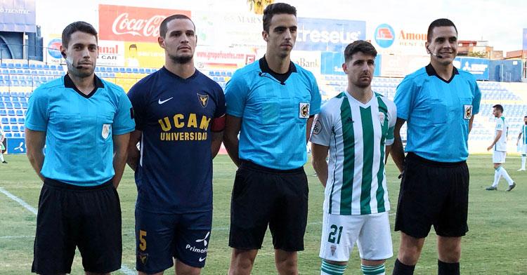 Javi Flores ejerciendo de capitán. Foto: UCAM Murcia