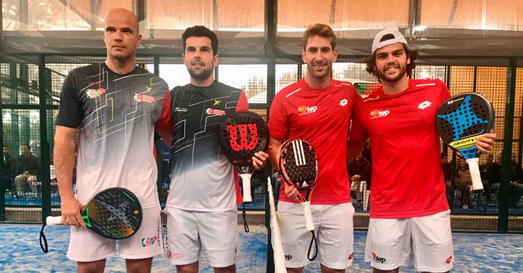 Javi Garrido a la derecha junto a Álex Ruiz formando con la pareja lusa con la que disputaron el primer punto de la final