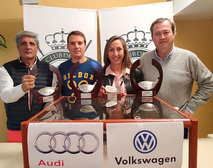 De izquierda a derecha Javier Gersol, Juande Benítez, María Ángeles de la Torre y Francisco Romero, los vencedores del Torneo Safamotor 2019