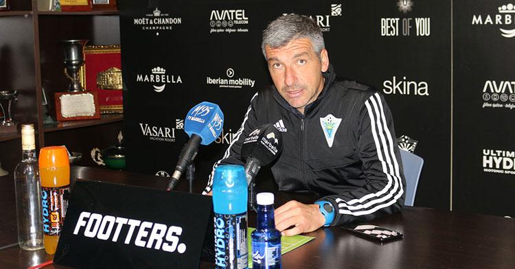 El entrenador del Marbella, David García Cubillo. Foto: Marbella FC