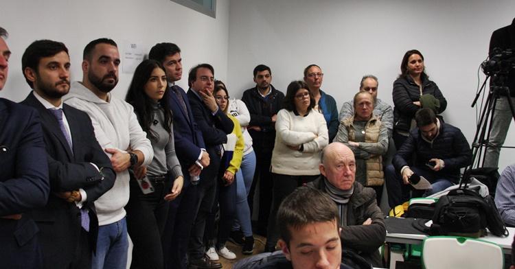 Personal no deportivo del Córdoba CF presentes en la rueda de prensa junto a los administradores judiciales. Autor: Paco Jiménez