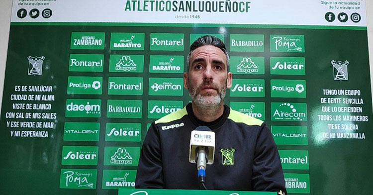 Abel Gómez ya centrado en su faceta de entrenador. Foto: Andalucía Información