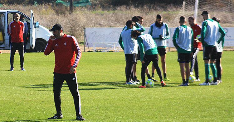 Raúl Agné durante el último entrenamiento antes de viajar a Madrid