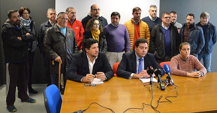Otra imagen de la rueda de prensa de los clubes. Foto: Cajasur CBM