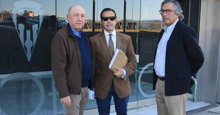 Representantes de Minoritarios en una imagen de hace unos meses antes de una reunión con el club. Autor: Paco Jiménez