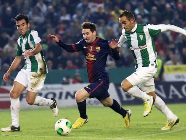 Fuentes cerrando a Messi junto a Alberto Aguilar en aquel partido de Copa del Rey del 12 de diciembre de 2012Fuentes cerrando a Messi junto a Alberto Aguilar en aquel partido de Copa del Rey del 12 de diciembre de 2012