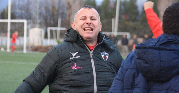 Javi Moreno celebrando un gol de su equipo