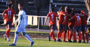Los jugadores del Pozoblanco celebrando su tercer gol al filial