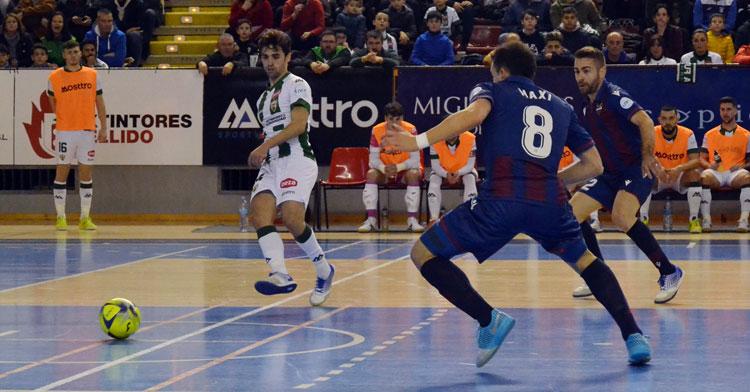 Pablo del Moral en un partido del Córdoba Patrimonio esta temporada. Foto: Javier Olivar