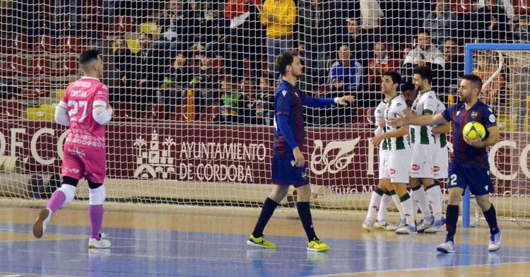 Los jugadores del Córdoba Patrimonio de la Humanidad celebrando un tanto. Autor: Javier Olivar