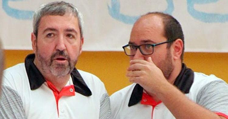 Antonio Navas, a la izquierda, junto a su segundo, Antonio Cepeda