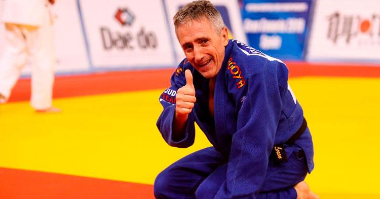El diploma olímpico en Barcelona 92 Francisco Lorenzo en una reciente competición de veteranos.