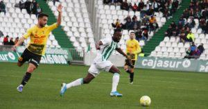 Owusu en sus últimos minutos como cordobesista ante el Villarrubia.