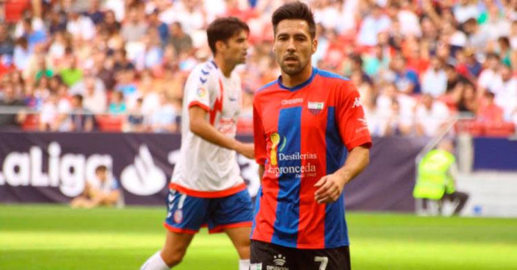 Carlos Valverde en un partido frente al Zaragoza.