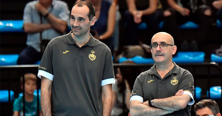 Felices. César Montes, a la derecha, junto al seleccionador nacional, Jordi Ribera.