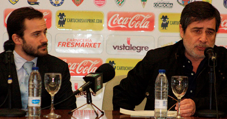 Los González, padre e hijo, en una rueda de prensa conjunto hace unos años.