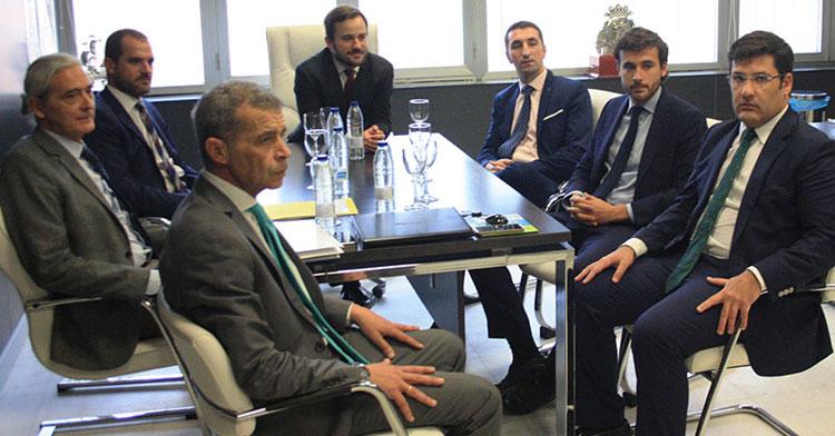 Una imagen de la última Junta General de Accionistas con Azaveco al mando, celebrada en un despacho de El Arcángel al impedirse el acceso a Minoritarios.