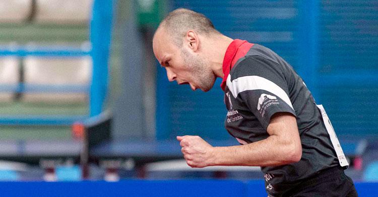 Carlos Machado celebrando un punto en Granada