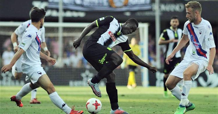 Moussa Camara no llega finalmente al Salerm