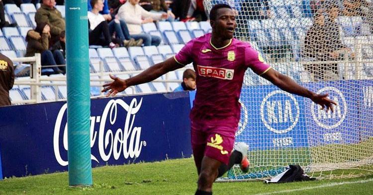Moussa Camara espera celebrar muchos goles con la rojinegra