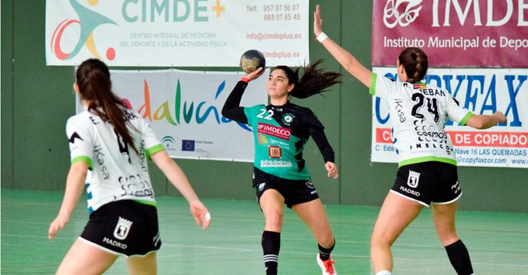 Maura Álvarez abriendo el juego