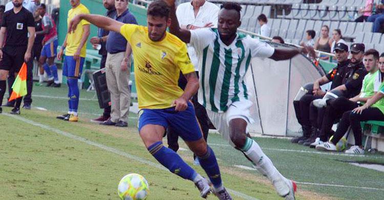 Iván Robles en el partido contra el Córdoba. Autor: Paco Jiménez