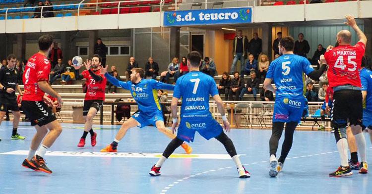 El Cajasur conquistó Pontevedra y sueña repetir. Foto: SD Teucro