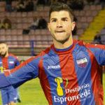 Willy celebrando un gol con el Extremadura.