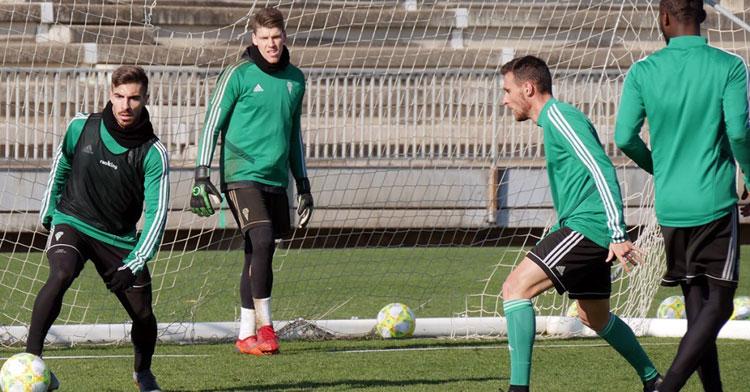 Zelu junto a Imanol García en un ejercicio en campo reducido. Foto: CCF