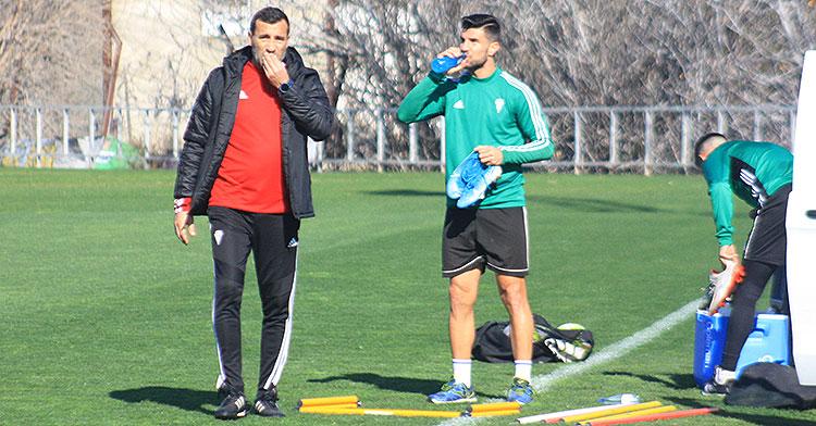 Raúl Agné y Willy a la conclusión del entrenamiento.