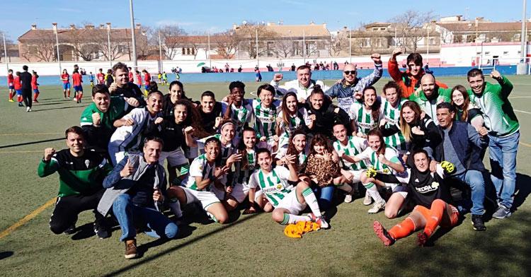 Las jugadoras del Córdoba Femenino celebrando su victoria en Baleares. Foto: @CordobaFemenino