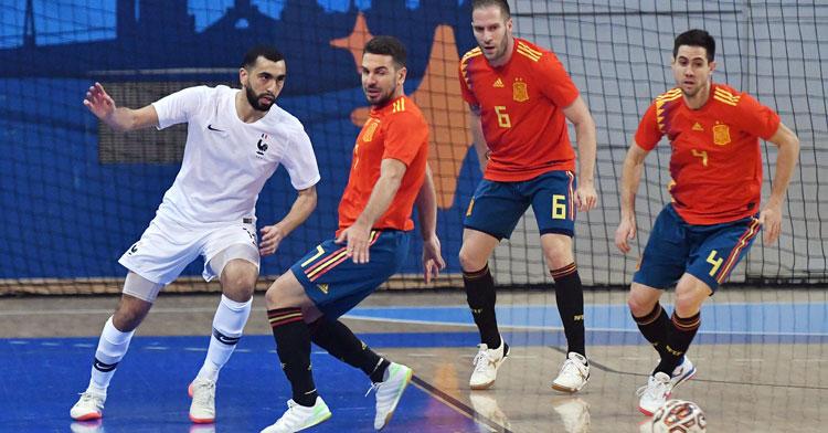 Andresito, Solano y Bebé en pista en el partido ante Francia. Foto: RFEF