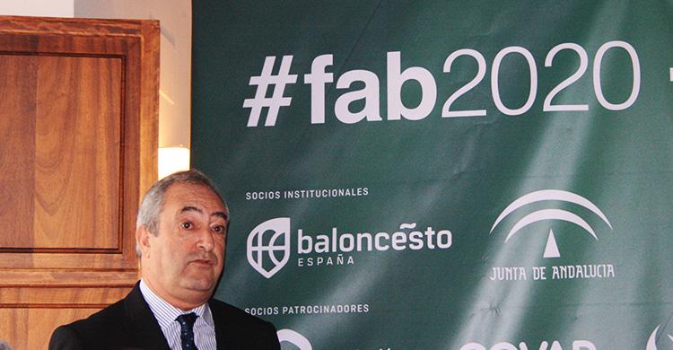 Antonio de Torres durante la presentación de la nueva imagen de la FAB.