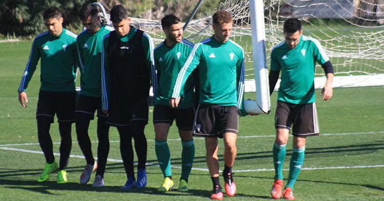 Jordi Tur volverá estar en el banquillo frente al Algeciras y tendrá su primera oportunidad para debutar con el Córdoba tras su llegada en el mercado invernal.