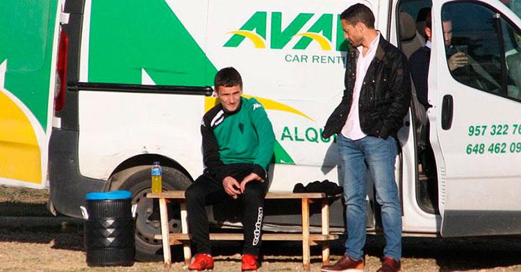 Javier Bejarano en su etapa en el Córdoba, durante un entrenamiento y junto a Jovanovic