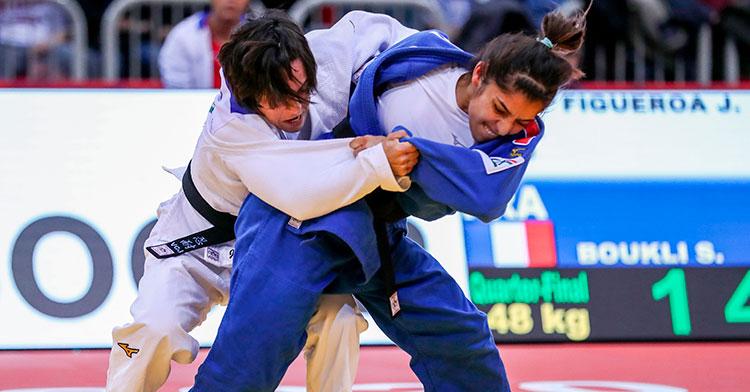 Julia Figueroa en su combate de cuartos de final en Dusseldorf.