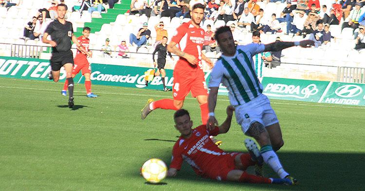 Piovaccari en el partido del pasado mes de febrero ante el Sevilla Atlético. Autor: Paco Jiménez