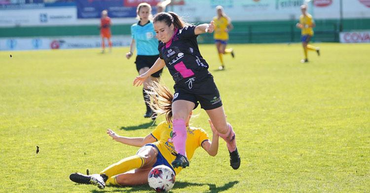 El Pozoalbense logró ganar al Femarguín con tantos de Natalia Montilla y Sousa. Foto: Rafa Sánchez / Hoy al día