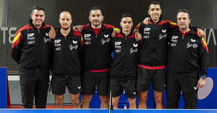 La selección española masculina de tenis de mesa, con Carlos Machado entre ellos