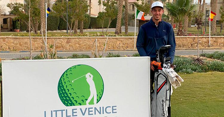 Feliz. Víctor Pastor muestra su satisfacción tras finalizar líder tras los dos primeros días de competición en Egipto.