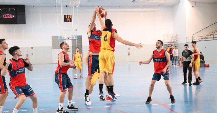 El equipo masculino de baloncesto de la UCO Foto: @deporte_uni_UCO