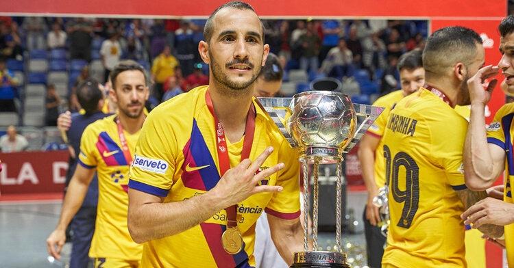 Boyis con el quinto título del Barça en Málaga. Foto: Boyis