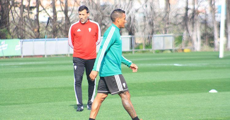 Luis Garrido espera una oportunidad de Raúl Agné, después de casi cuatro meses en el club y no haber debutado aún en El Arcángel.