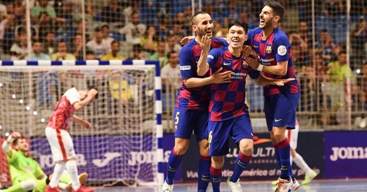 Boyis, en la izquierda, celebrando el tanto de Daniel. Foto: FC Barcelona